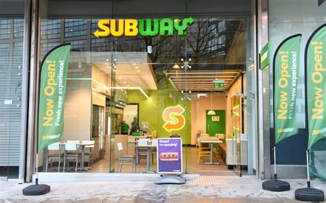 subway 174 franchise uk s largest food franchising