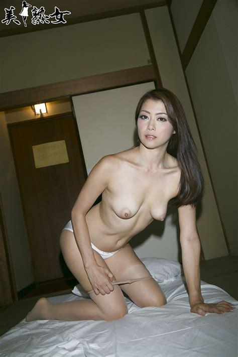 Japanese Amateur Pics Sexy Asian Milf 4