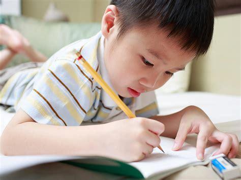 is it normal that my kindergartner reverses letters when 223 | iStock 37842856 4x3