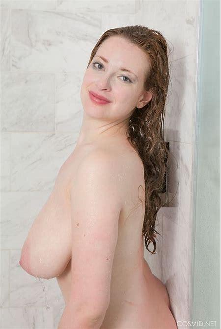 Busty Nude Shower - Hot Girls Wallpaper