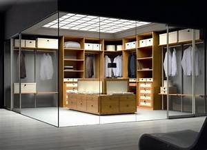 Begehbarer Kleiderschrank Design : fashion fanatic s dream walk in closet design with glass walls ~ Frokenaadalensverden.com Haus und Dekorationen