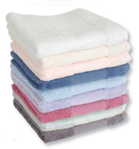 serviette de toilette a broder pr 202 ts a broder maison mode serviettes bain 224 broder serviette de toilette coton pr 234 t 224 broder