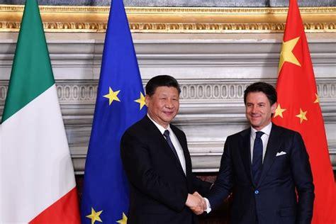 A villa madama la cerimonia per la firma del memorandum d'intesa tra italia e cina, alla presenza del presidente cinese xi jinping e del premier giuseppe. Italy, China sign new 'Silk Road' protocol