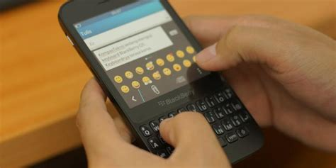 review blackberry q5 keypad keras browser deras kompas
