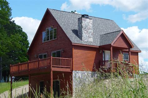 cabins for in michigan 4 great homes for on northern michigan golf courses