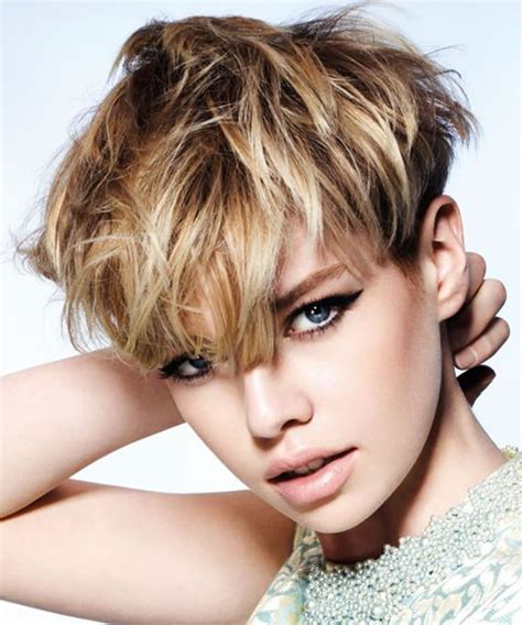 short haircuts     trendy  women