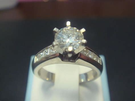 will you me platinum engagement ring from lunatique ruby