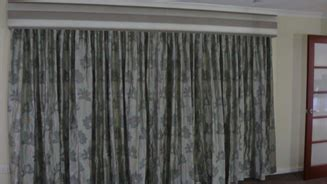 what is the difference between drapes and curtains rians