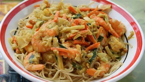 cuisine chinoise facile crevettes sautée à l 39 asiatique et nouilles chinoise