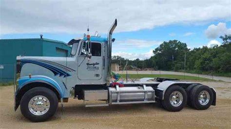 Freightliner Classic Short Hood