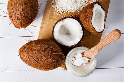l huile de coco en cuisine l alli 233 e minceur le mag