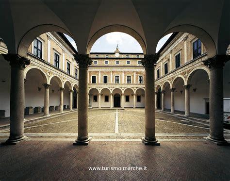 Cortile Palazzo Ducale Urbino by La Villa Bal 236 E Dintorni Weekend Tra Cultura Scienza