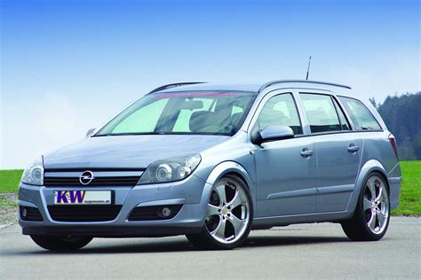 Opel Astra 2005 by 2005 Opel Astra H Caravan Pictures Information And