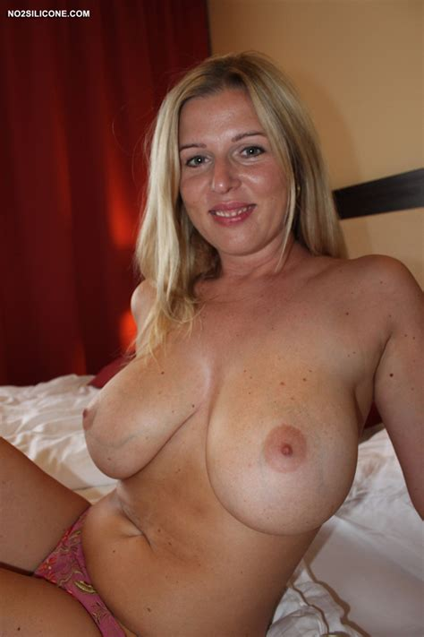 No2silicone Busty Britney Happy Hot Busty Milf Exclusive