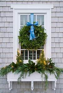 1000 ideas about Exterior Christmas Lights on Pinterest