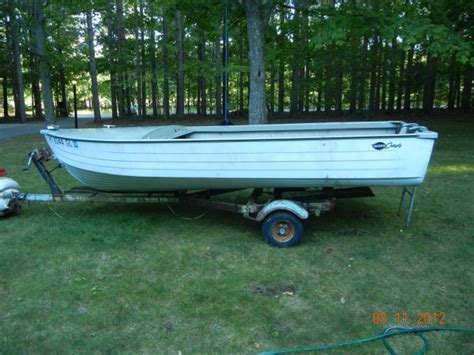 14 Foot Jon Boat Trailer Craigslist by 17 Best Ideas About Aluminum Boat Trailers On