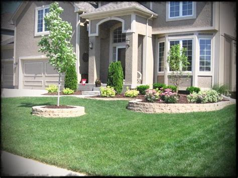 Simple Landscaping Ideas For Front Yard Traditional House