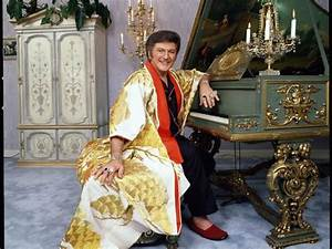 Liberace's life 'Behind the Candelabra' in Palm Springs