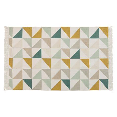 tapis motif triangles en coton 120 x 180 cm gaston