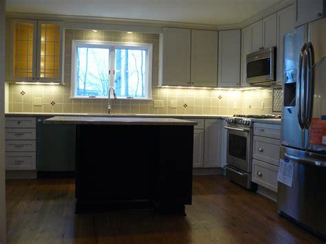kitchen cabinet lights led