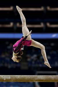 File:Lauren Mitchell, 41st AG World Championship, 2009 ...  Gymnastics