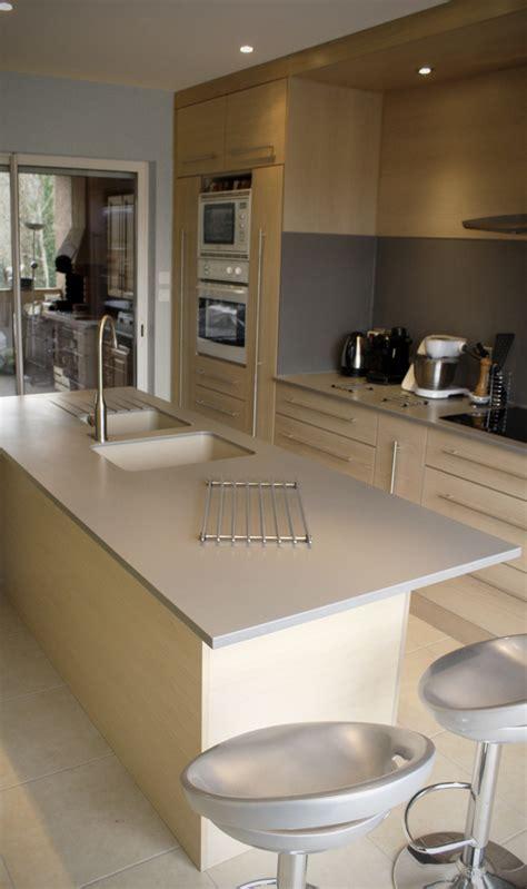 plan de travail cuisine gris clair cuisine gris clair chene massif