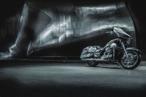 Harley Davidson Cvo Road Glide Backgrounds by 2015 Harley Davidson Flhxse Cvo Glide G Wallpaper