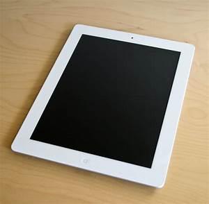 File:IPad 2 White on table.jpg - Wikipedia