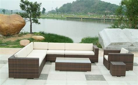 basic steps in decorating your outdoor furniture