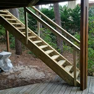 Construire Un Escalier Extérieur En Bois by Escalier Exterieur En Bois Artisan Charpente Menuiserie