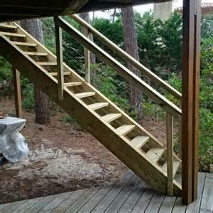 escalier exterieur en bois artisan charpente menuiserie