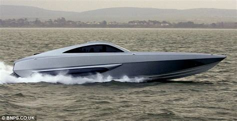 mph james bond style boat built  chase pirates