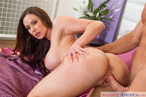 Pretty hot MILF Kendra Lust enjoys sex with muscular man - My Pornstar Book