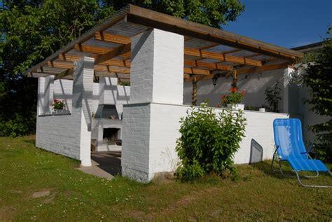 Uberdachter Grillplatz Im Garten