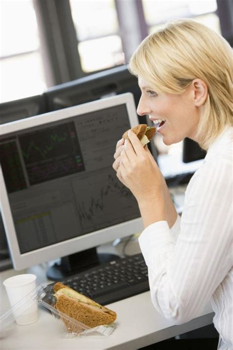 cooking at your desk how eating lunch at your desk can make you fat ny daily news