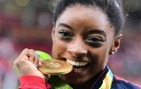 simone biles das turn wunder olympische sommerspiele