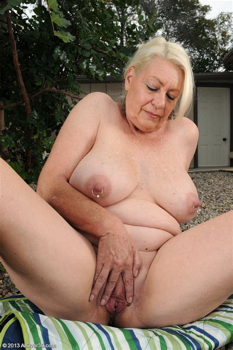 hot older women 60 year old angelique from durban south africa in high