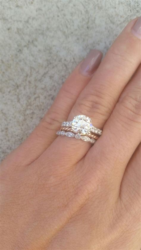 Who has a rose gold ring?   Weddingbee