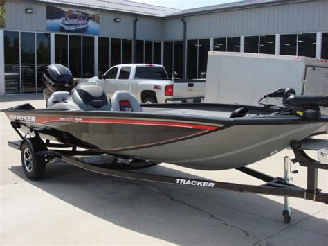 Bass Tracker Boat Models by Tracker Boats Bass Boat Pt195 Bass Boats New In Warsaw Mo