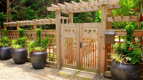 Backyard Fence Options by 40 Fence Design Ideas For House 2017 Garden And Relaxing