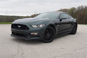 Ford Mustang Gt 2015 : 2015 ford mustang gt vs 2015 nissan 370z nismo news ~ Medecine-chirurgie-esthetiques.com Avis de Voitures