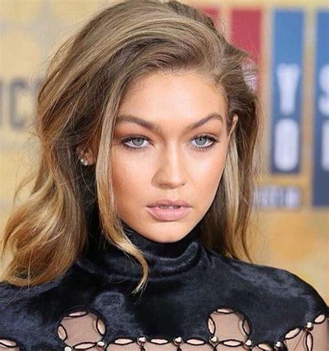 Neutral makeup and natural hair colour | Gigi hadid hair ...