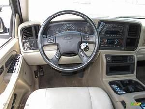 2004 Chevrolet Suburban 1500 Lt Tan  Neutral Dashboard