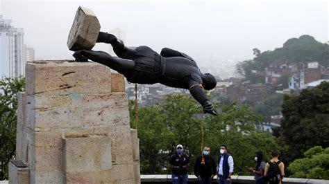 Toque de queda en tres ciudades de Colombia por protestas ...