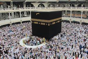 Facing, Mecca, An, Introduction, To, The, History, Of, Islamic