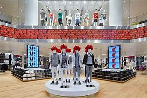 Design Store Berlin : uniqlo flagship store by wonderwall berlin germany ~ Markanthonyermac.com Haus und Dekorationen