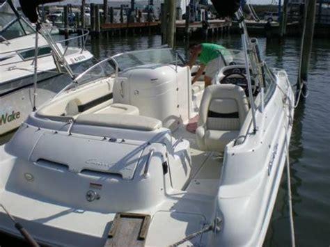 chris craft  bowrider sport deck powerboat