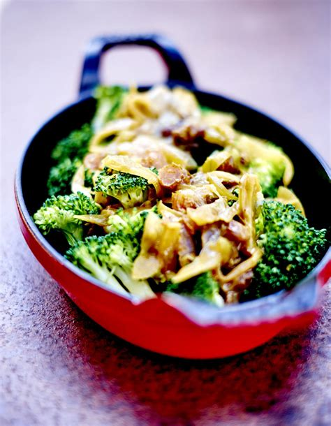 brocolis sauce oignon et raisin pour 6 personnes