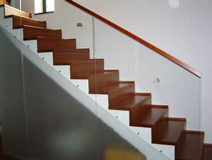 Betontreppe Mit Holz : mahagoni stufen auf betontreppe treppen galerie ~ Lizthompson.info Haus und Dekorationen