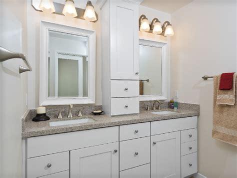 Kraftmaid Bathroom Vanity Mirrors by After Kraftmaid Maple Cabinetry With Putnam Style Door